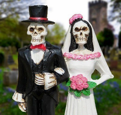 Halloween Costumes for Couples Skeletons 400